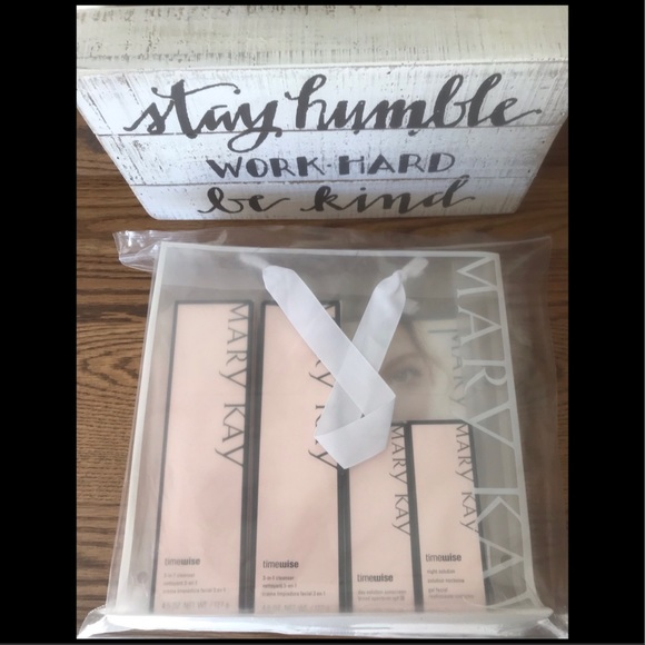 Mary Kay Other - NIB Mary Kay Timewise Miracle Set Oily/Combination